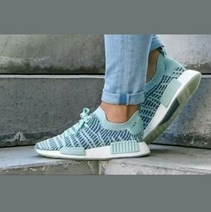 Adidas Boost NMD R1 Primeknit Sneakers
